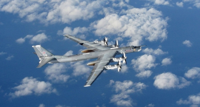 a-russian-tu-95-bomber-photographed-from-a-royal-air-force-plane-off-the-coast-of-britain-in-october-2014-1120x600