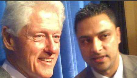 imran-awan-with-Bill-Clinton-1-1024x582