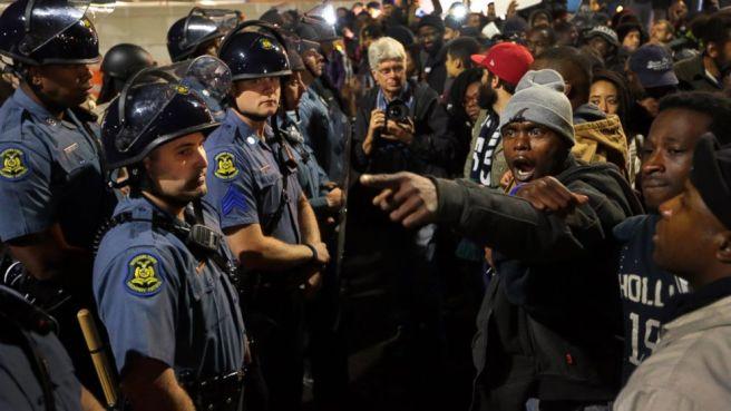 AP_St_Louis_protests_bc_141011_16x9_992