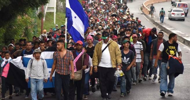 181017-caravan-guatemala-honduran-migrants-se-253p_d0c508e7d392fee5f3c021734d954686.1200;630;7;70;5 (2)