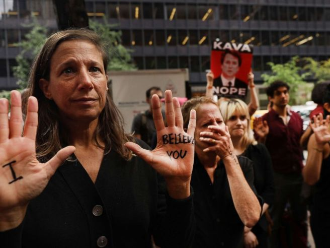 kavanaugh-protest-03-gty-jc-180927_hpMain_4x3_992