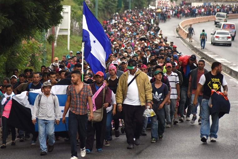 181017-caravan-guatemala-honduran-migrants-se-253p_d0c508e7d392fee5f3c021734d954686.fit-760w