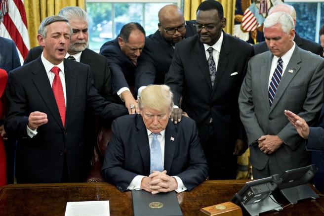 ct-trump-evangelicals-support-20171006